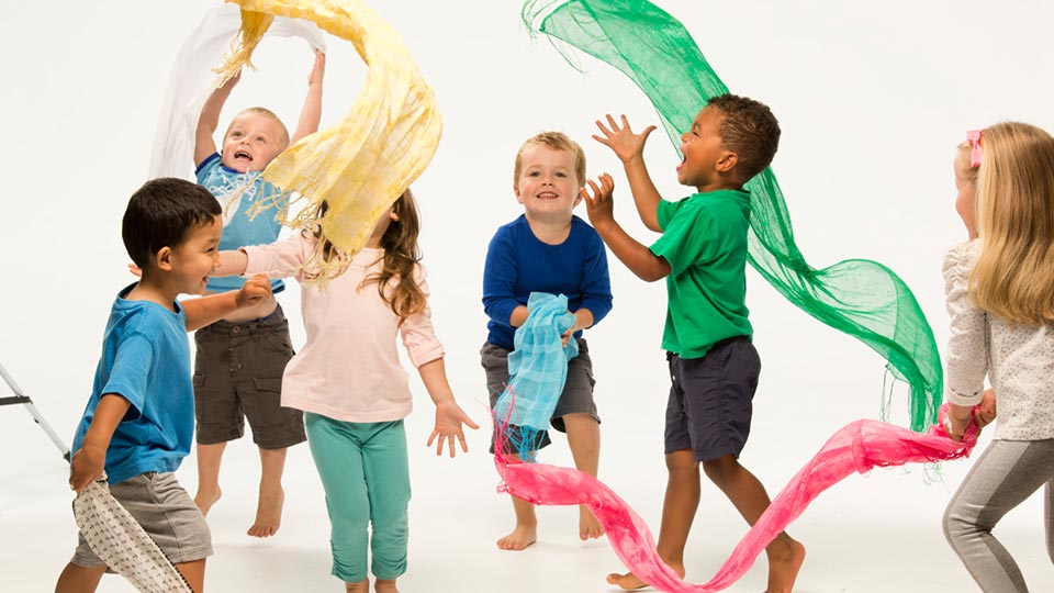 Young children - activity - BORN TO MOVE™