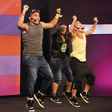Les Mills Instructors teaching a BODYJAM™ Class