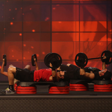 Les Mills BODYPUMP™ instructors bench press