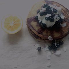 pancakes with blueberries and lemon