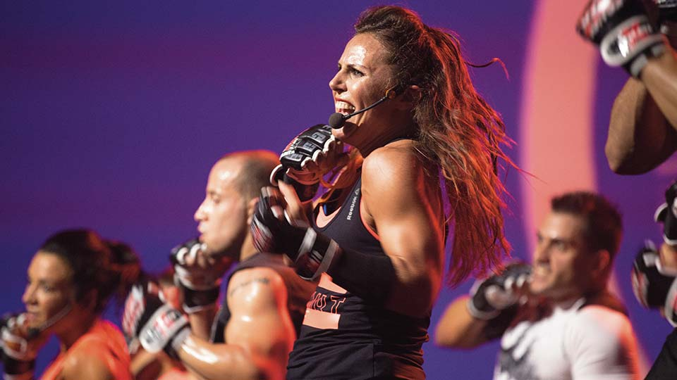 Les Mills BODYCOMBAT fitness instructor